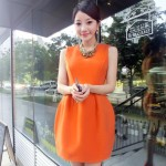 オレンジ色は夏の太陽と好相性♡まずはワンピースで気軽にトライしてみて!