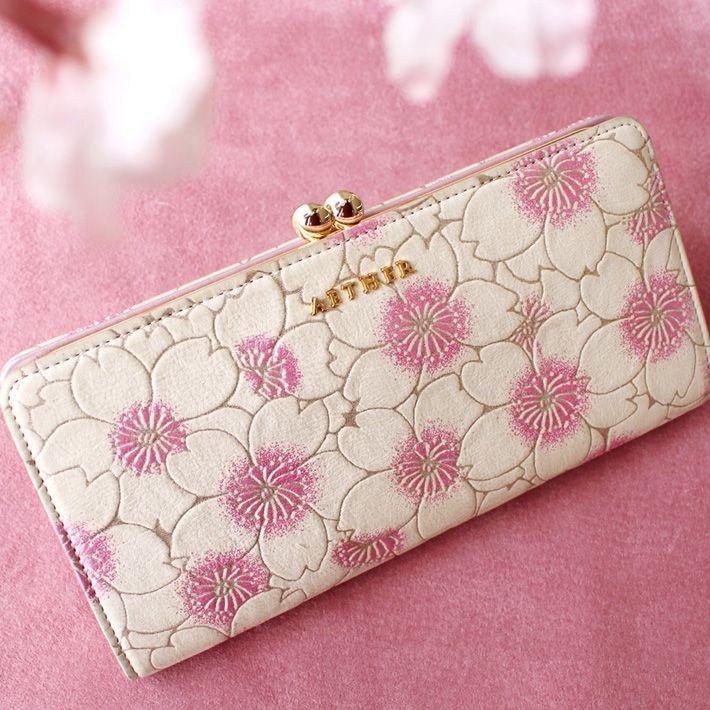 e0fb0e554bd2 桜柄のお財布やバッグを探しているならAETHER(エーテル)の桜コレクションをチェックしてみて!